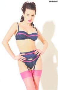 Darenzia - Hot Pink and Blue