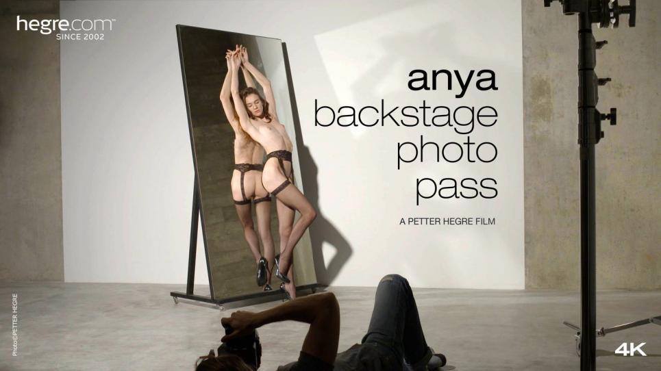 Hegre_presents_Anya_in_Bakstage_Photo_Pass_-_22.08.2017.mp4.00008.jpg